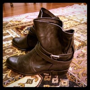 NEW Frye Brown Leather Ankle Boots Size 6